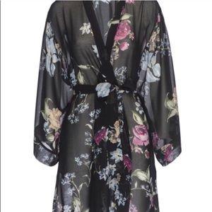 Helena Quinn Intimates & Sleepwear - NEW Helena Quinn Kimono